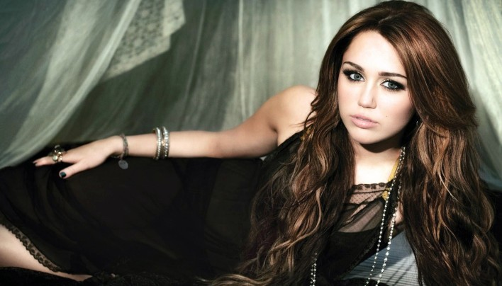 15 Pictures – Miley Cyrus
